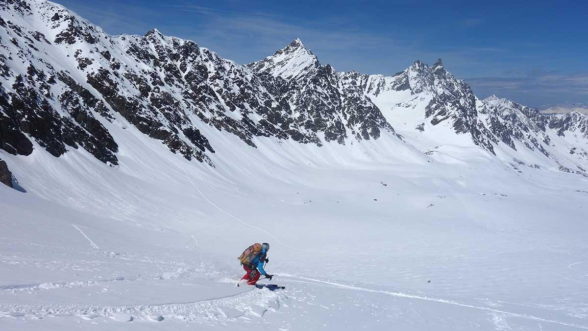 randonnee-hors-piste-gebroulaz-maison-des-guides-et-de-la-montagne-ski-tour-safari-3-vallees-val-thorens