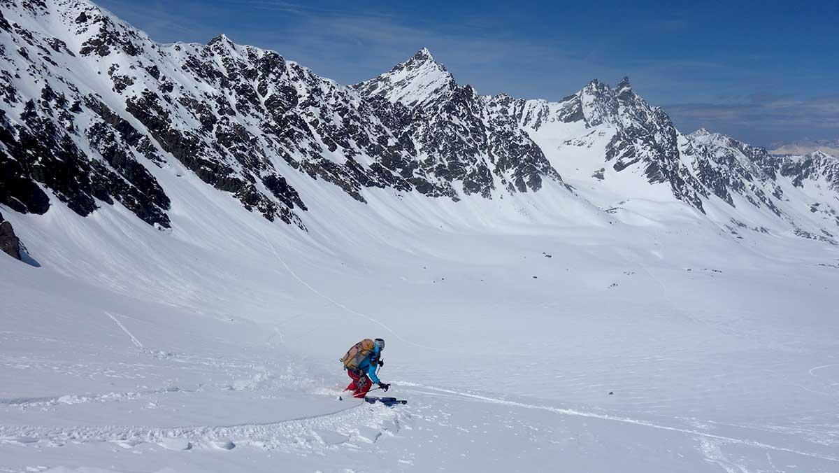 randonee-nocturne-maison-des-guides-et-de-la-montagne-ski-tour-safari-3-vallees-val-thorens