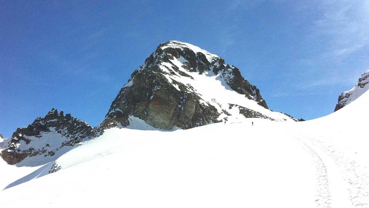 hors-piste-val-thorens-ski-de-randonee-maison-des-guides-et-de-la-montagne-italie-autriche